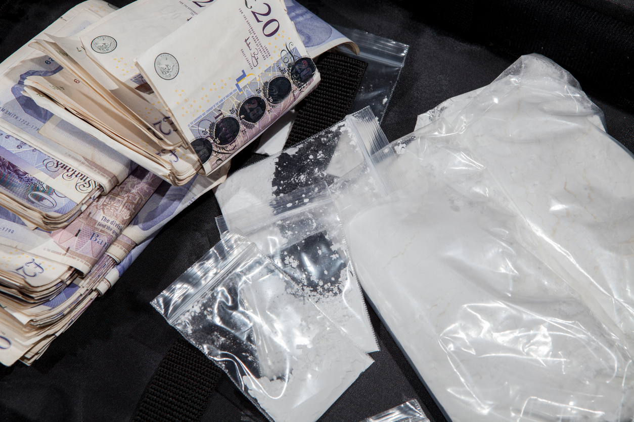 Teenage Drug Runners Sell Heroin